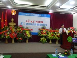 TS. Trần Đức Quỳnh, Phó TK, phụ trách lên ôn lại những kỷ niệm, những giai đoạn khó khăn và những thành quả 10 năm từ khi thành lập