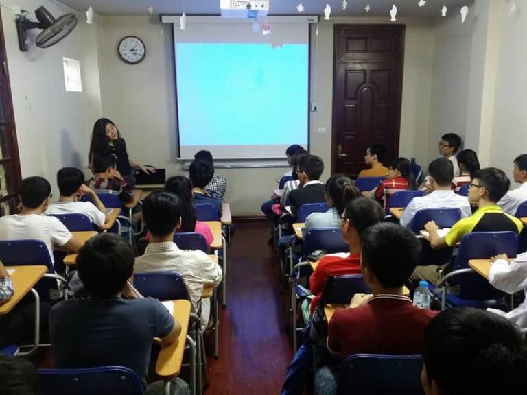 Lớp học lập trình miễn phí nằm trong khuôn khổ sự kiện tân sinh viên công nghệ năm 2017
